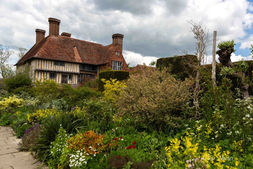 great dixter gardens, christopher lloyd, northiam, english country garden, clare hocter